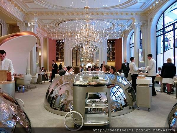 圖1 巴黎雅典娜酒店Alain Ducasse三星餐廳.jpg