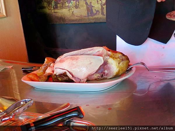 圖21 兩片鴨胸肉是料理主角.jpg