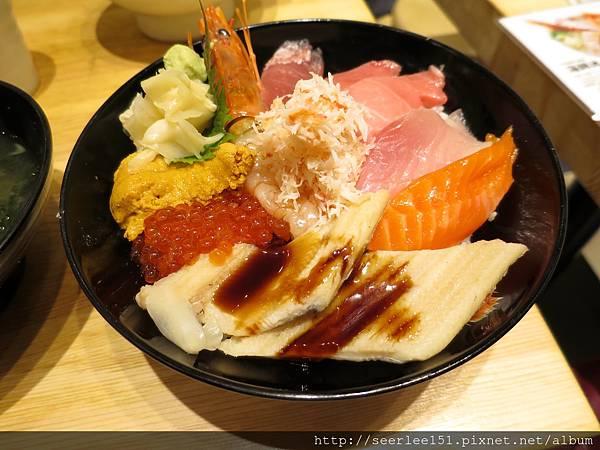 1)食料超級澎湃的築地丼~竹.jpg