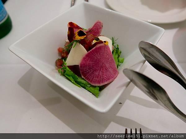 P8)顏色美艷的生菜沙拉.jpg