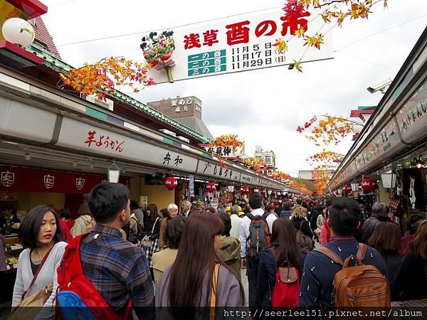 P5)熱鬧滾滾的淺草寺前商店街.jpg