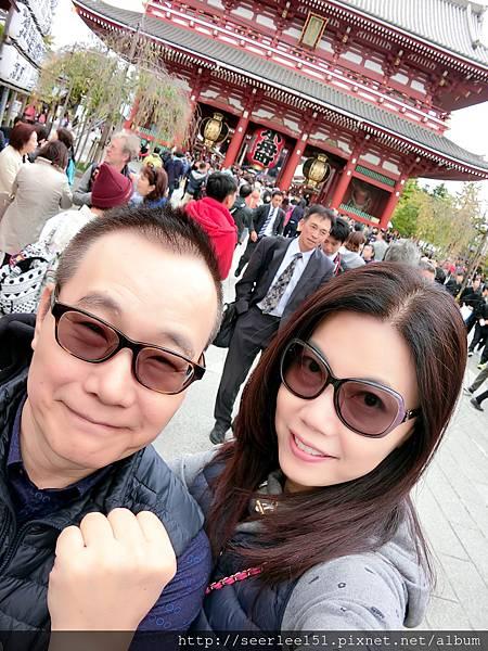 P7)咪芬夫婦在淺草寺前留影.jpg