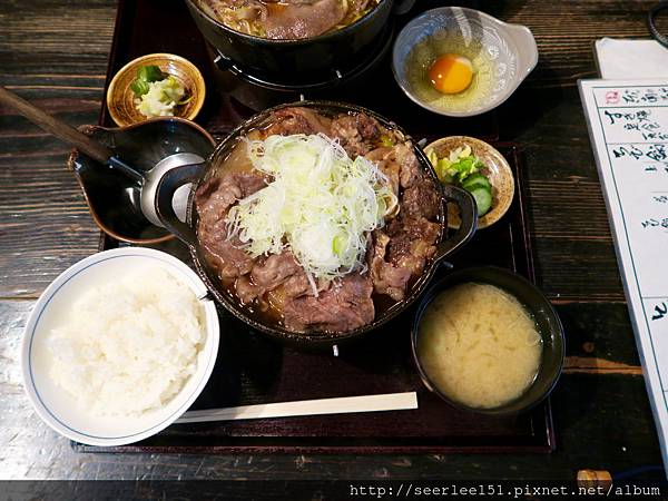P11)肉料豐富的壽喜燒鍋.jpg