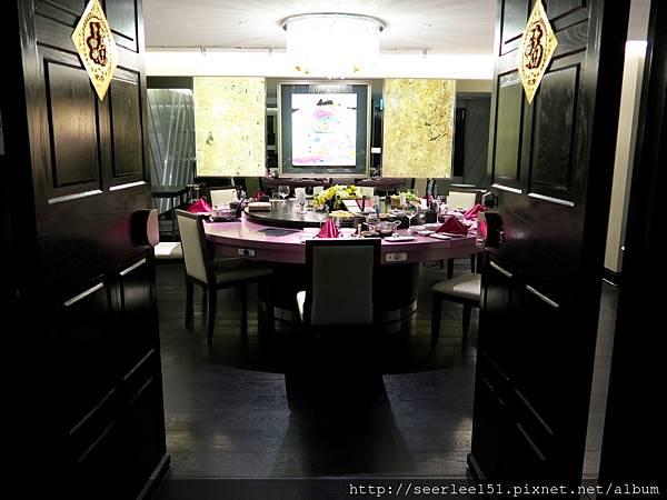P3)用餐空間全部規劃成包廂.jpg