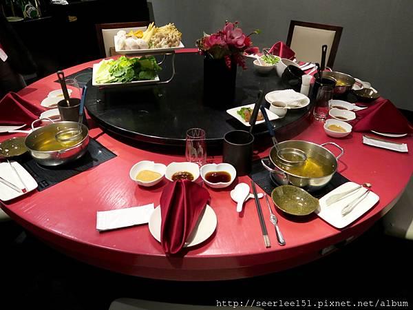 P4)採一人一鍋的分餐方式.jpg
