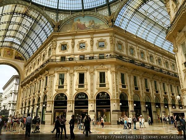 P1)義大利最時尚的購物商場艾曼紐二世迴廊.jpg
