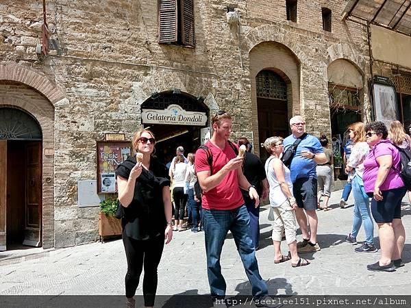 P7)最會創造觀光特色與觀光收入的冰淇淋店.jpg