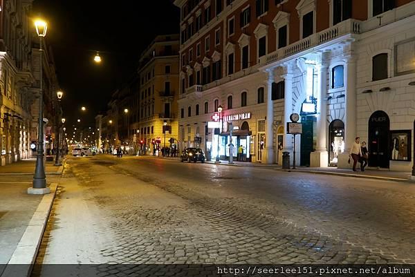 P3)羅馬的夜,羅馬的街。.jpg