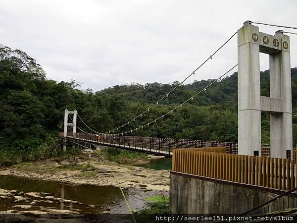 P4)瀑布區吊橋之一.jpg