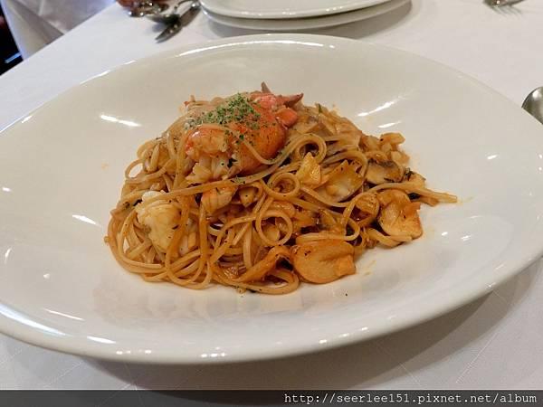 P7)龍蝦義大利麵是紅廚招牌中的招牌.jpg