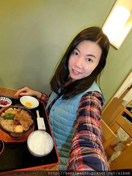 P11)芬兒開心享用sukiyaki.jpg
