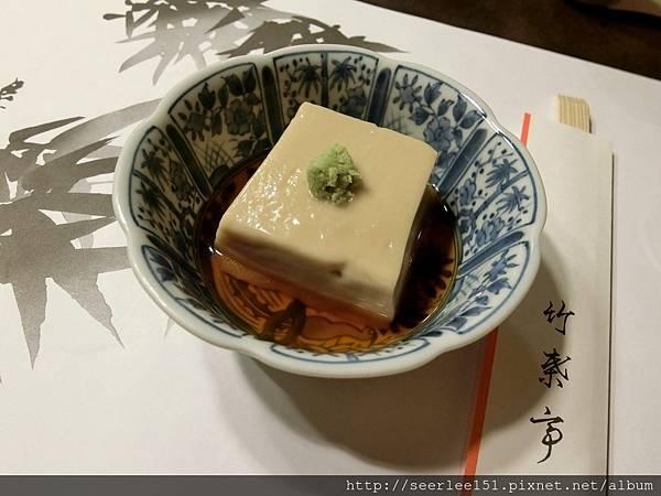 P1)百年老店人氣美食胡麻豆腐.jpg