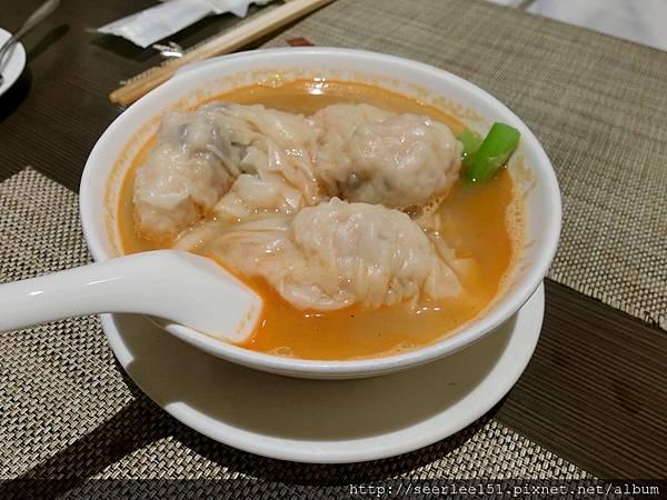 P19)魚翅套餐中的上湯雲吞.jpg