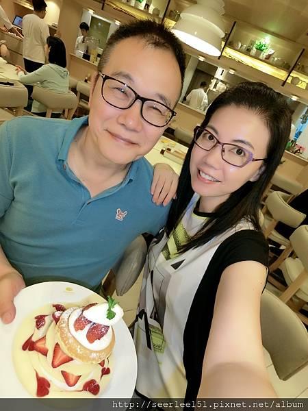 P5)在日式甜品店用草莓鬆餅代替生日蛋糕.jpg