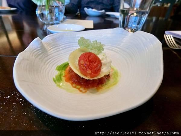 P11)當天的開胃小點~主廚特製義大利餃.jpg
