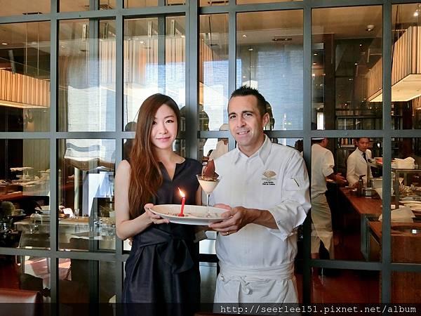 P20)主廚和壽星湘婷的合照.jpg