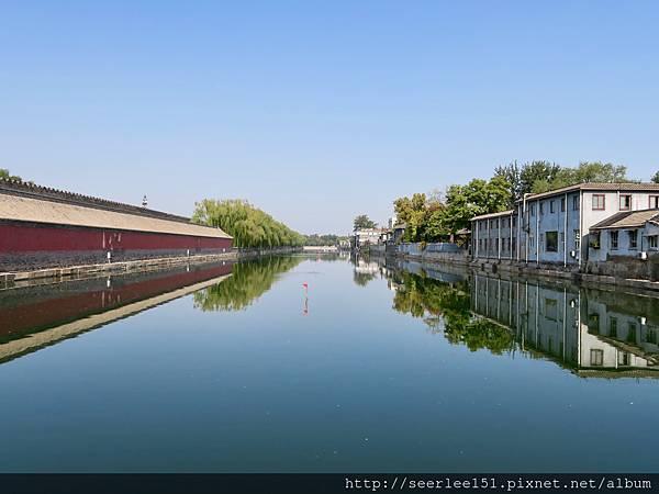 P2)北京故宮的護城河.jpg
