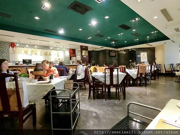 P5)生意好到下午三點還有一桌桌客人在涮著.jpg