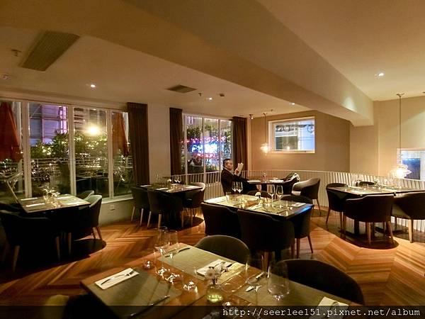 P4)事先預訂好的餐廳場地不夠完美.jpg