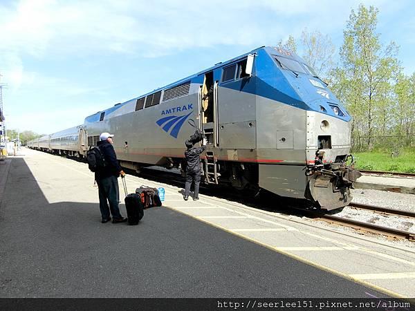 P13)從尼加拉市直接搭火車前往紐約.jpg