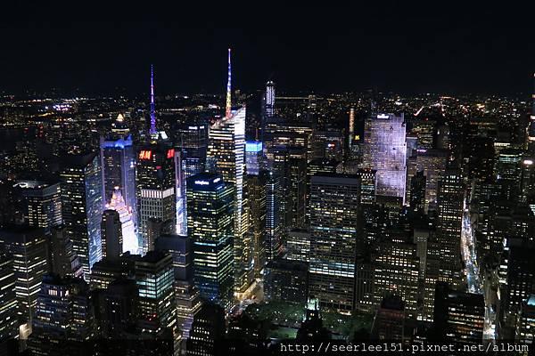 P20)從帝國大廈頂樓下眺舉世最繁華的夜景.jpg