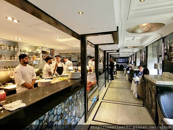 P9)整個空間充滿著食物和食物的香氣.jpg