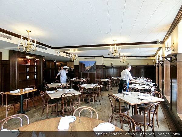 P9)餐廳桌椅裝修樣樣簡陋與消費額不相襯.jpg