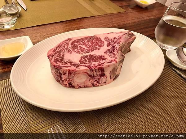 P2)乾式熟成55天的上等牛排.jpg