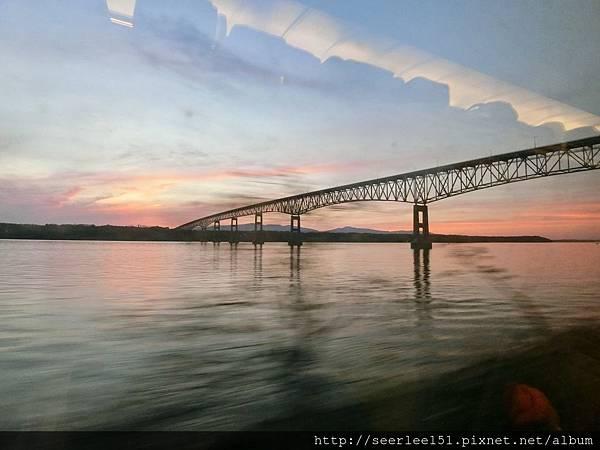 P15)從加拿大坐火車前往紐約的沿途風光.jpg