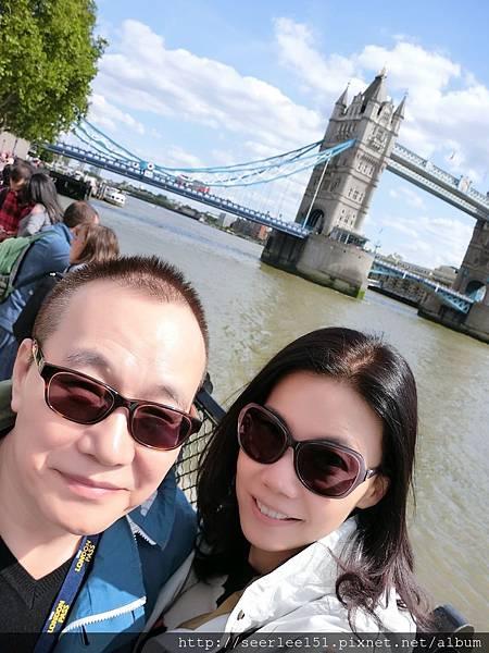 P13)泰晤士河航行的終點站在倫敦塔橋.JPG