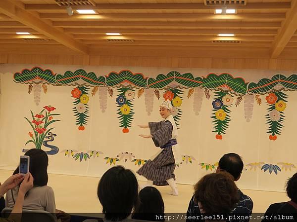 P16)首里城傳統歌舞表演.jpg
