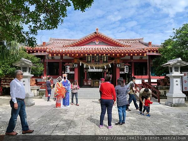 P17)波上宮是市區內的觀光景點.jpg