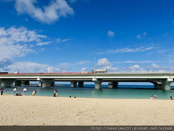 P19)波上宮旁的沙灘戲水看海都好玩.jpg