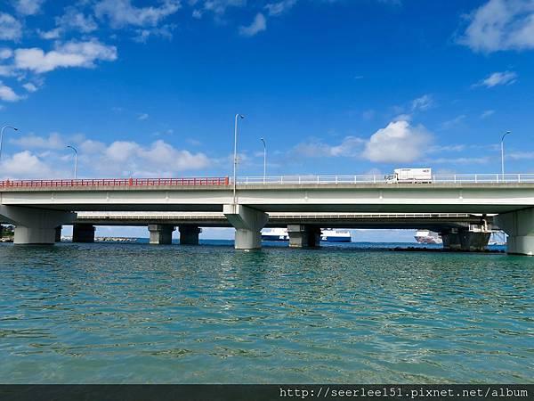 P2)碧海,藍天,大船出港。.jpg