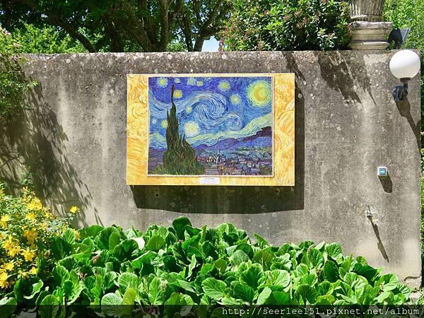 P1)掛在聖雷米療養院的梵谷名畫《星夜》.jpg