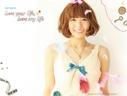 Aki_1stalbum_250.png