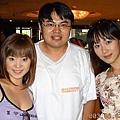 (左起)風見里穗 小姐 我 杉森風緒 小姐(日本AV女優)