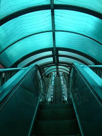 南浦洞龍頭山公園電梯1.jpg