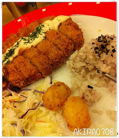 NAMU用餐1.JPG