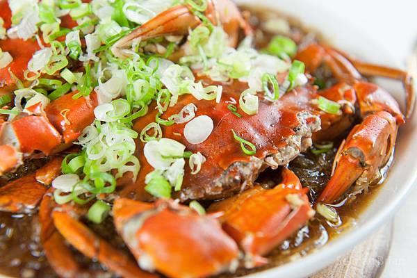 蒜香奶油螃蟹粉絲煲