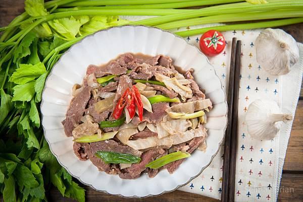 酸白菜炒牛肉