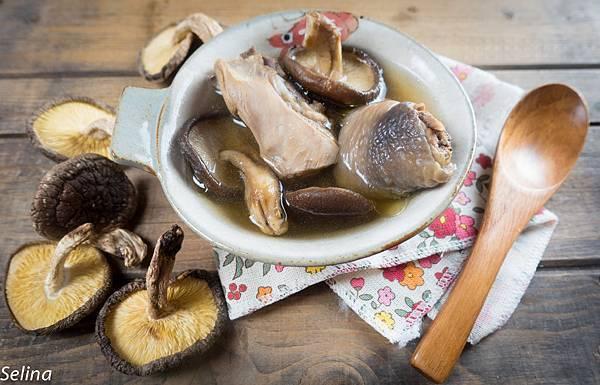 段木香菇雞湯