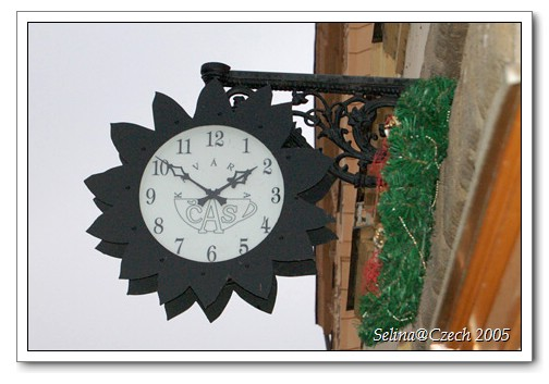 FlowerClock.jpg