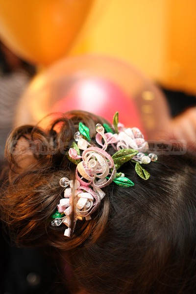 Seline阿姨幫我做的纏花頭飾--近照.jpg