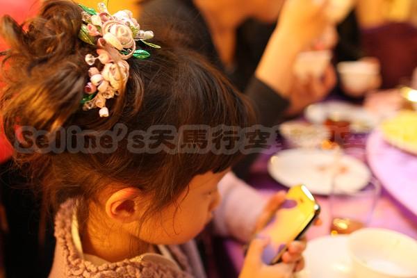 Seline阿姨幫我做的纏花頭飾--側面.jpg