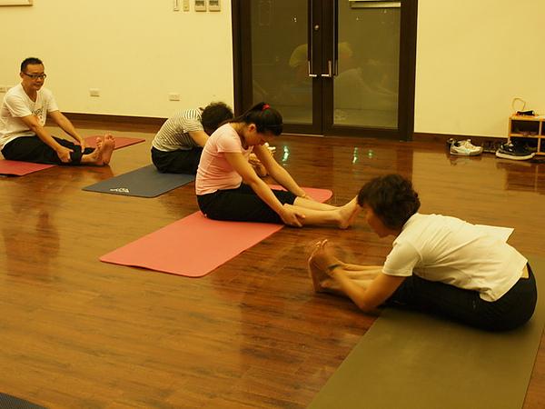 2010瑜珈-Jul15 (94)_調整大小.JPG