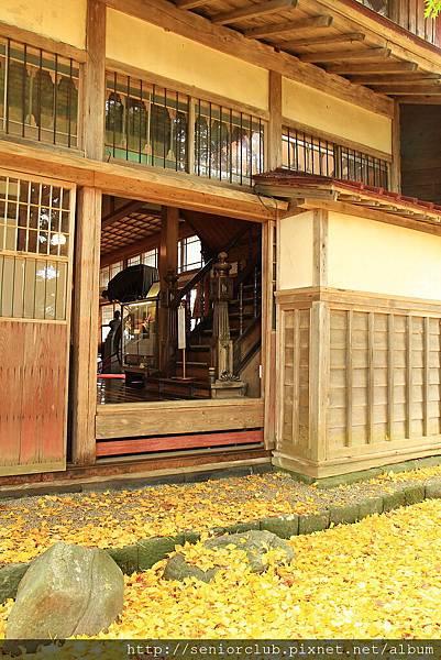 2011 Nov 11 老宅午餐 (181)_調整大小.JPG