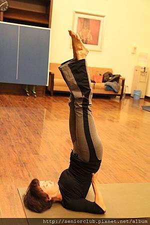 曾瑤瑜珈 2011 Dec  (2)_調整大小.JPG