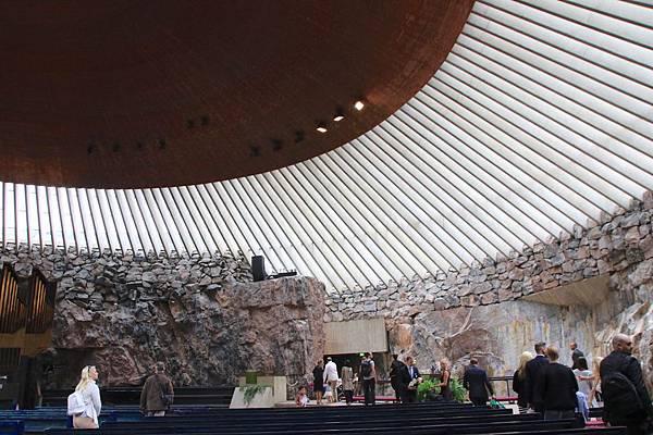 2016 Jul 16 芬蘭磐石教堂 - 15.jpg