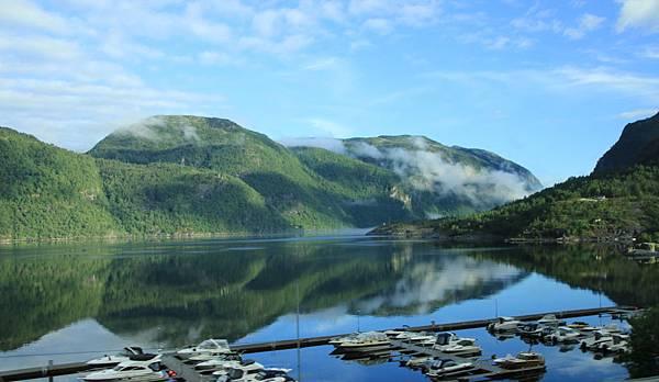 2016 Jul 20 挪威峽灣公路景觀 - 020.jpg